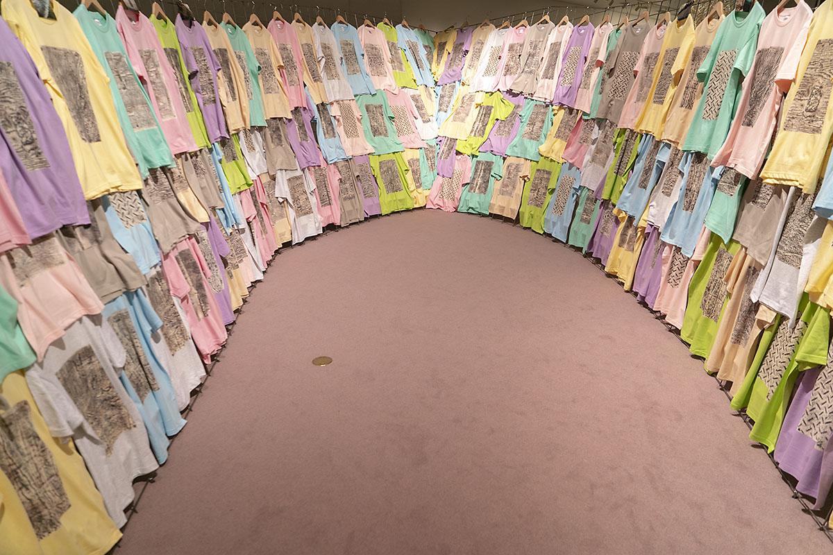 「近くへの遠回り―日本・キューバ現代美術展 帰国展」高嶺格氏の作品画像1